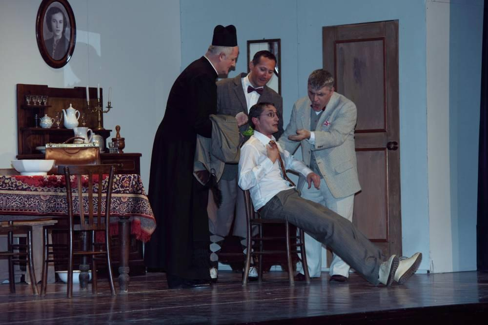 Quanti fastidi sciur curaa! Teatro Alfieri Castelnuovo